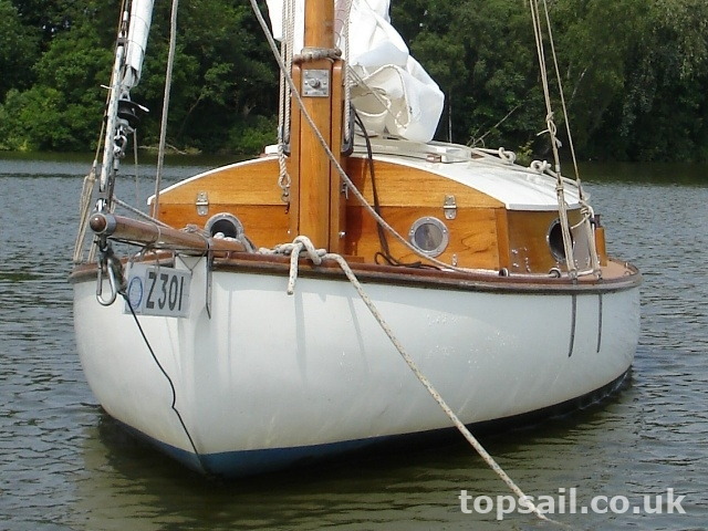 Thurne Restricted Class Sailing Cruiser