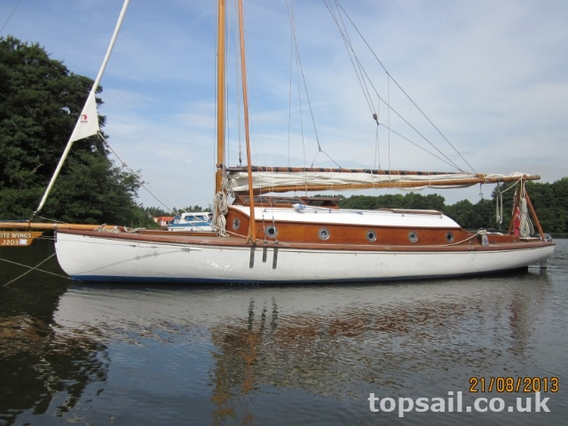 Collins River Cruiser Class For Sale  Topsail Marine Yacht Brokers 1814
