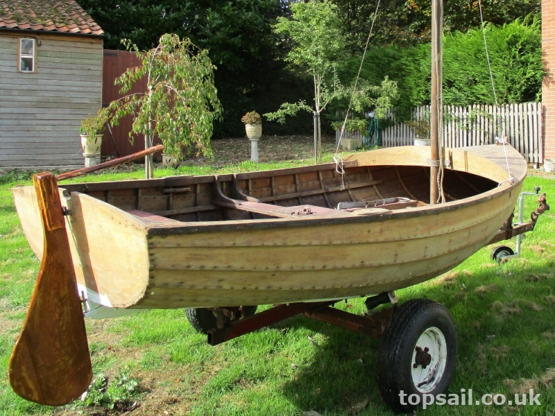 Sailing Scow/Lug Sail Dinghy & Trailer